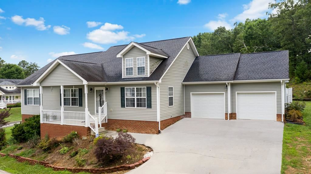 Photo of 268 Southern Oaks Dr, Cleveland, TN 37323 (MLS # 20205650)