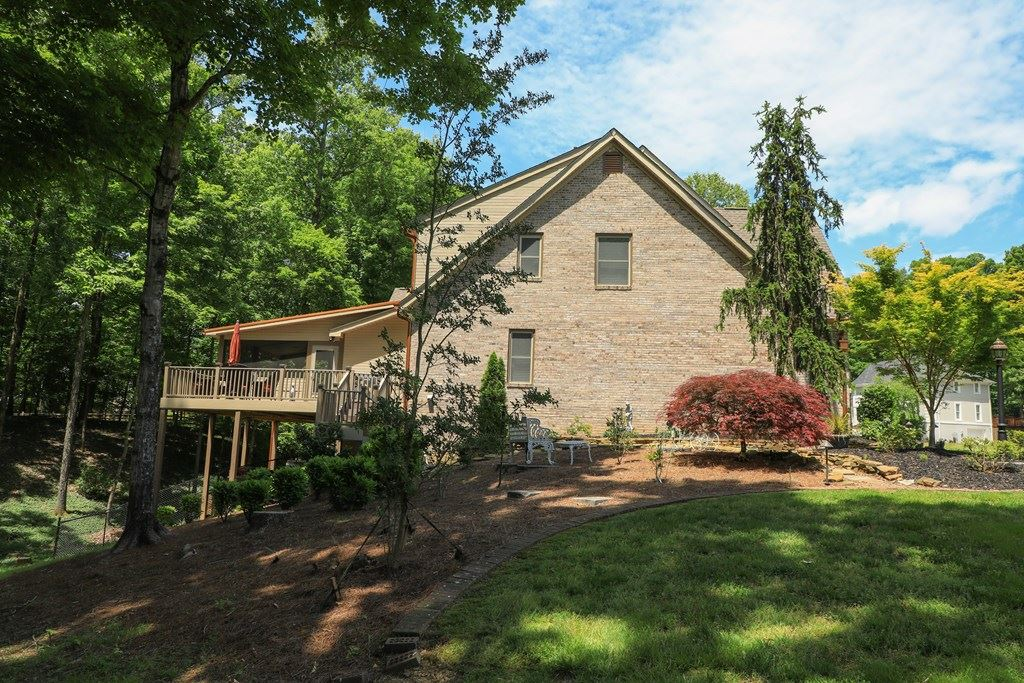 Photo of 616 Paragon Parkway NW, Cleveland, TN 37312 (MLS # 20204795)