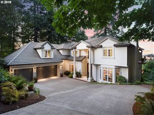 Photo of 2311 PALISADES CREST DR, Lake Oswego, OR 97034 (MLS # 19556000)