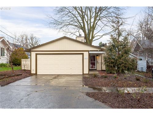 Photo of 1615 N WINCHELL ST, Portland, OR 97217 (MLS # 20176001)