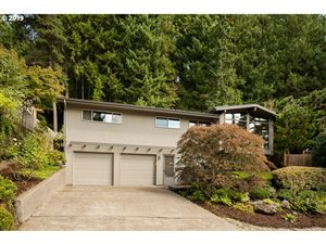 Photo of 5040 SW 18TH PL, Portland, OR 97239 (MLS # 19002002)