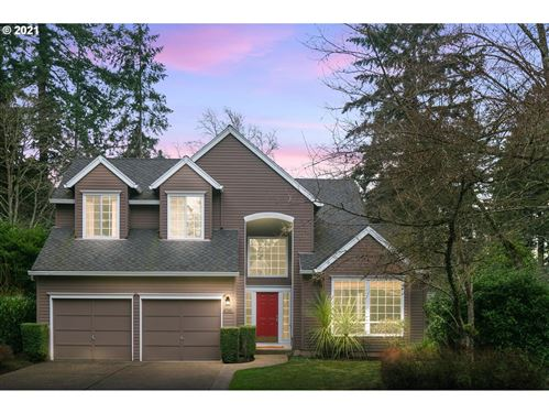 Photo of 4749 BLACK FOREST CT, Lake Oswego, OR 97035 (MLS # 21678005)