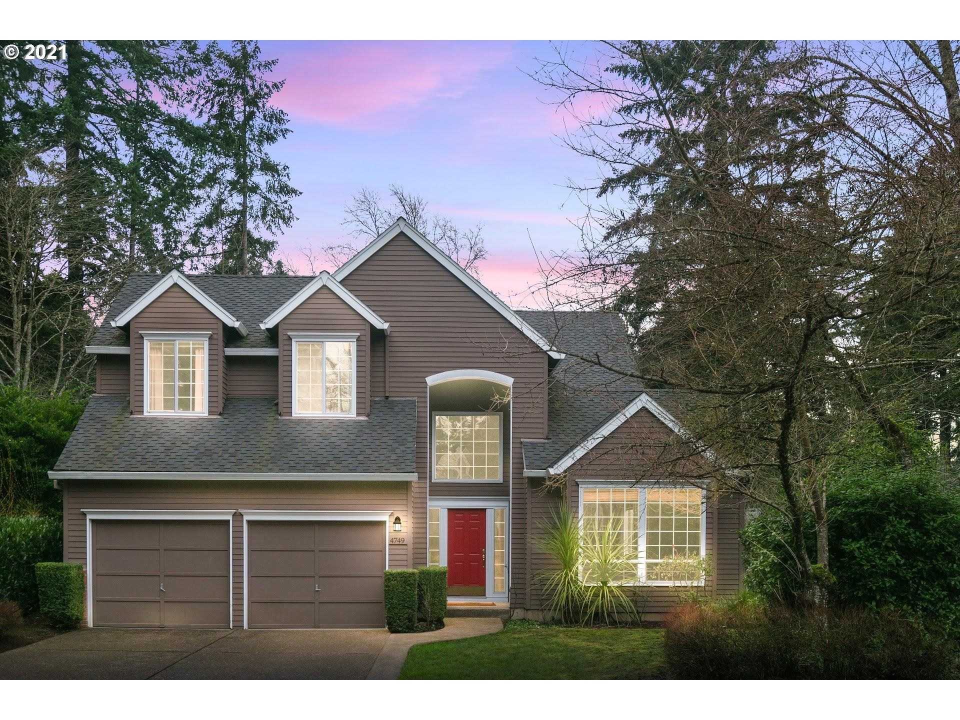 Photo for 4749 BLACK FOREST CT, Lake Oswego, OR 97035 (MLS # 21678005)