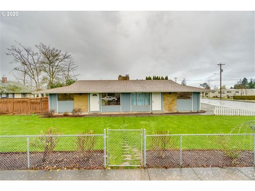 Photo of 422 KENNEL AVE, Molalla, OR 97038 (MLS # 20622007)