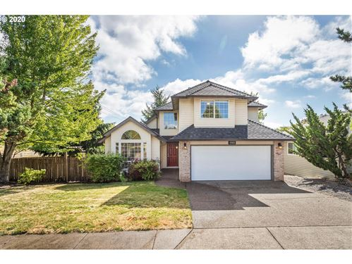 Photo of 15032 SE 128TH AVE, Clackamas, OR 97015 (MLS # 20619008)