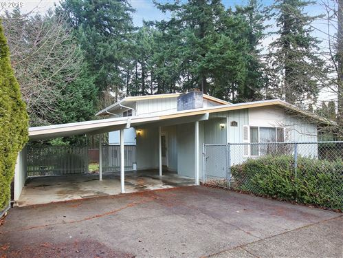 Photo of 610 NE 172ND AVE, Portland, OR 97230 (MLS # 19386014)