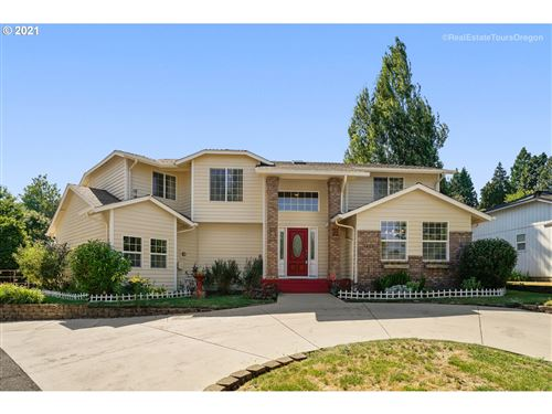 Photo of 1650 NE COBURN DR, McMinnville, OR 97128 (MLS # 21312014)