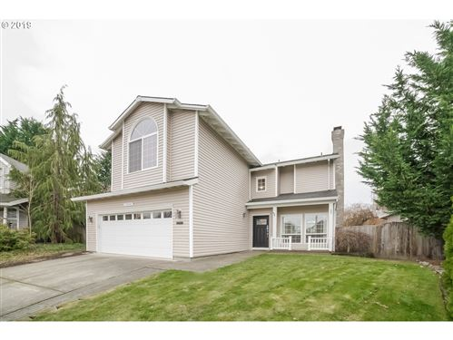 Photo of 15924 SW GLAZE CT, Tigard, OR 97223 (MLS # 19362019)