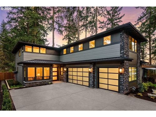 Photo of 17506 Hill WAY, Lake Oswego, OR 97034 (MLS # 19676020)