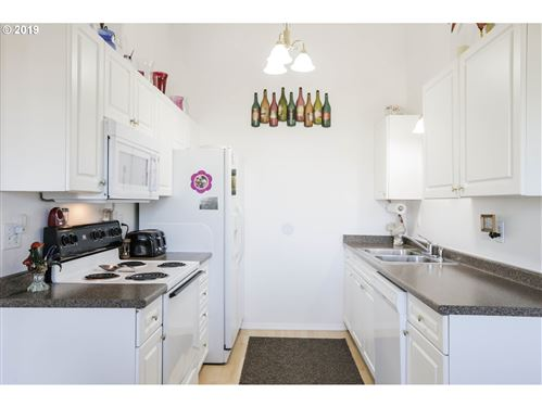 Tiny photo for 16 E LAKEVIEW AVE, Lowell, OR 97452 (MLS # 19159022)