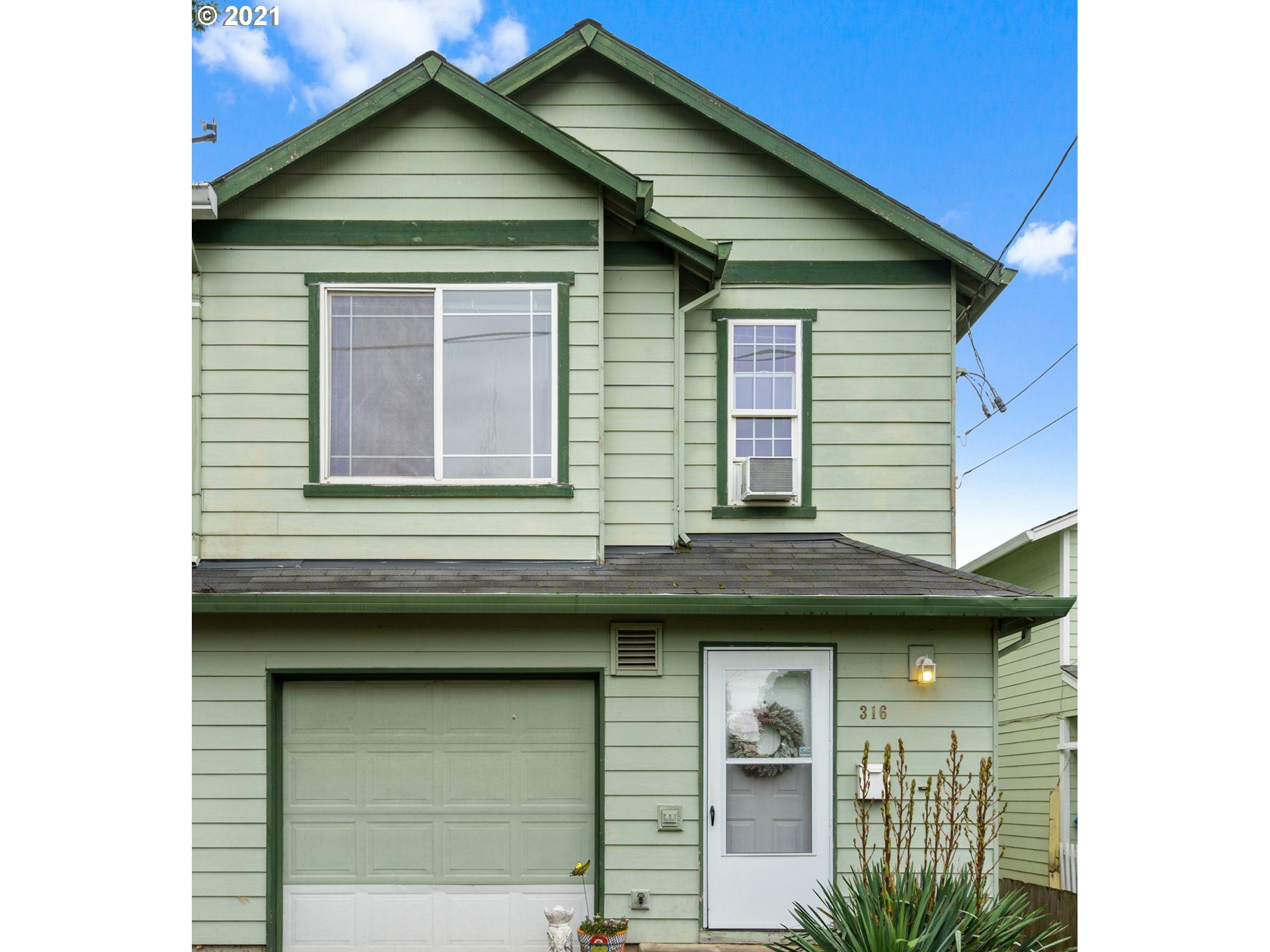 316 SE 88TH AVE, Portland, OR 97216 - MLS#: 21404022
