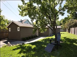 Photo of 4415 SE 56TH AVE, Portland, OR 97206 (MLS # 19461024)