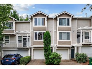 Photo of 14130 SW BARROWS RD 2 #2, Tigard, OR 97223 (MLS # 19459025)