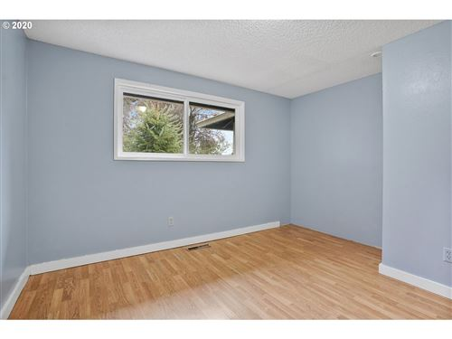 Tiny photo for 2149 MOLALLA RD, Woodburn, OR 97071 (MLS # 20138031)