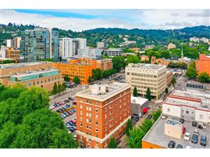 Photo of 1005 SW PARK AVE 701 #701, Portland, OR 97205 (MLS # 19610034)