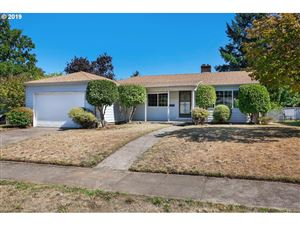 Photo of 2006 SE 88TH AVE, Portland, OR 97216 (MLS # 19516039)