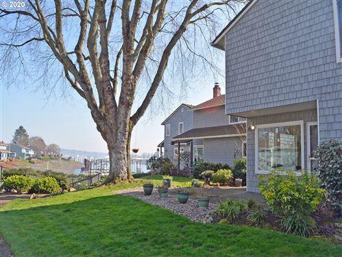 Photo of 659 N TOMAHAWK ISLAND DR, Portland, OR 97217 (MLS # 20538039)