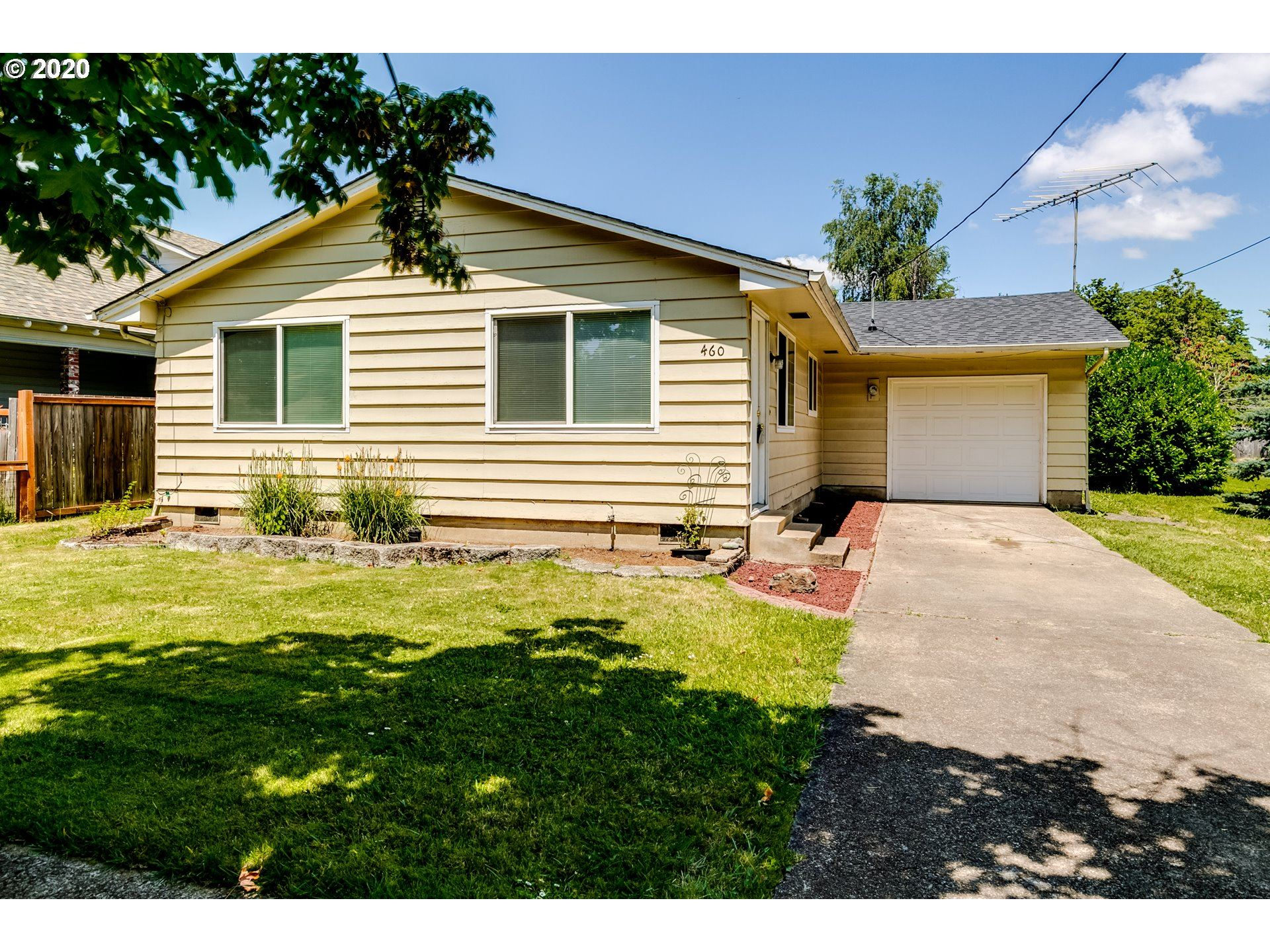 Photo for 460 W OREGON AVE, Creswell, OR 97426 (MLS # 20411039)