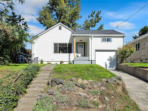 Photo of 3407 NE ROSA PARKS WAY, Portland, OR 97211 (MLS # 19496041)
