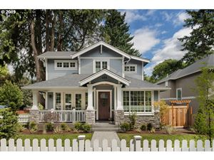 Photo of 489 8TH ST, Lake Oswego, OR 97034 (MLS # 19668042)