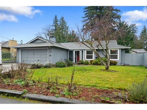 Photo of 11525 SE 56TH AVE, Milwaukie, OR 97222 (MLS # 20545046)