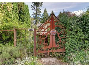 Photo of 8224 SW 2ND AVE, Portland, OR 97219 (MLS # 19699047)