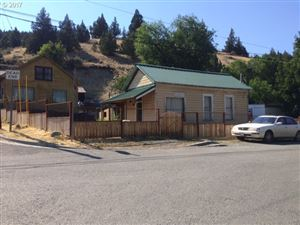 Photo of 200 W IZEE ST, Canyon City, OR 97820 (MLS # 17587048)
