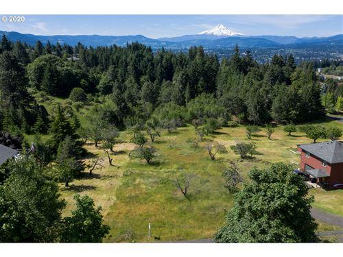 Photo of 845 Grangeview PL, White Salmon, WA 98672 (MLS # 20428054)
