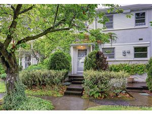 Photo of 6801 NE BROADWAY, Portland, OR 97213 (MLS # 19310056)