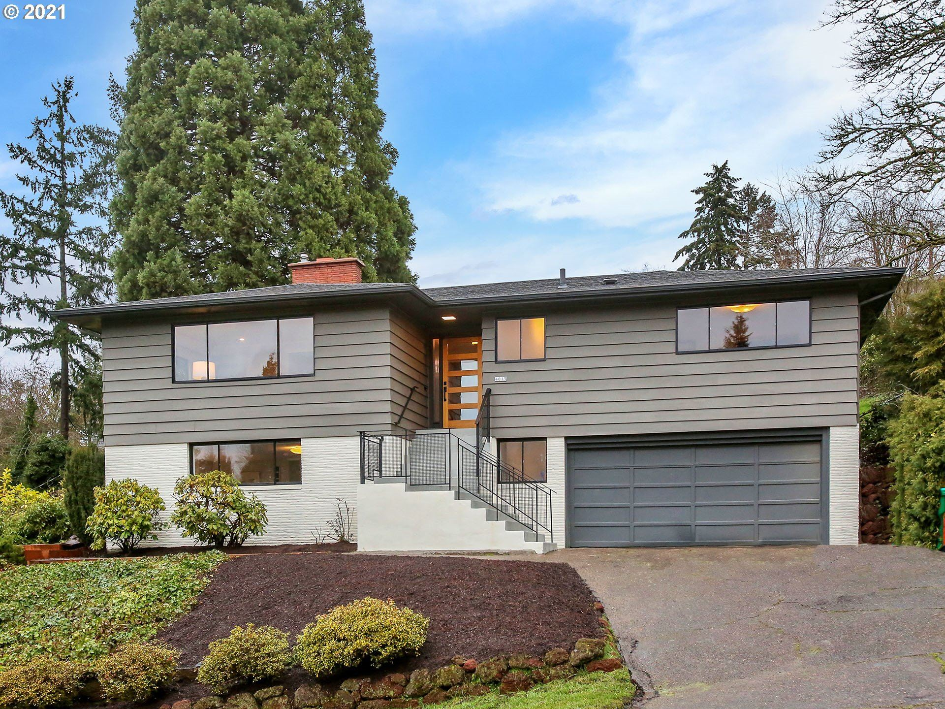 Photo for 4015 SW IDAHO TER, Portland, OR 97221 (MLS # 21028056)