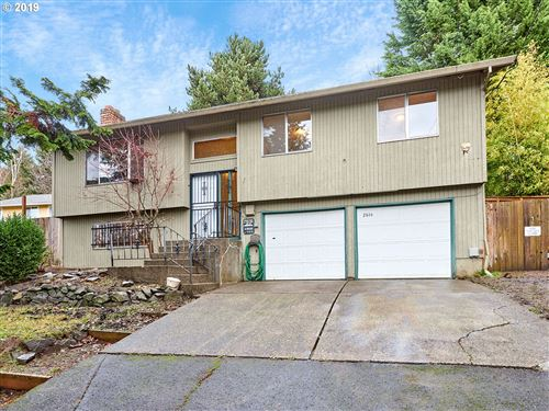 Photo of 2844 SE 90TH PL, Portland, OR 97266 (MLS # 19022058)