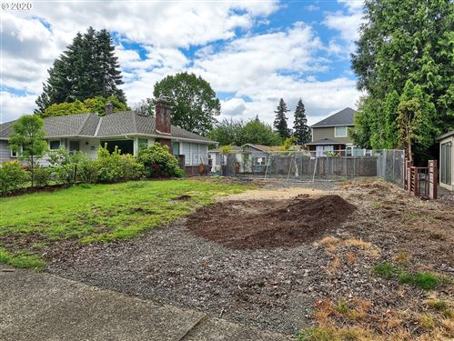 Photo of SE 47th ST, Portland, OR 97206 (MLS # 20067060)