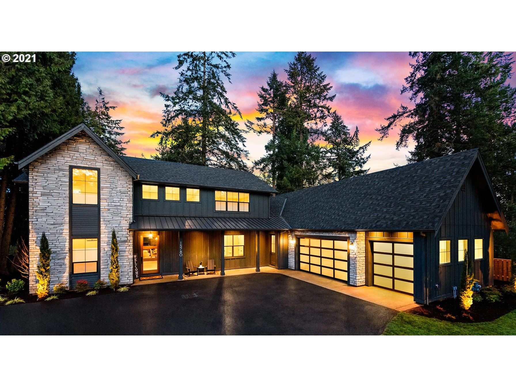 Photo for 15780 TWIN FIR RD, Lake Oswego, OR 97035 (MLS # 21538062)