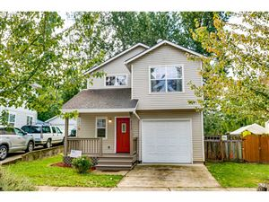 Photo of 8252 N JOHNSWOOD DR, Portland, OR 97203 (MLS # 19539066)