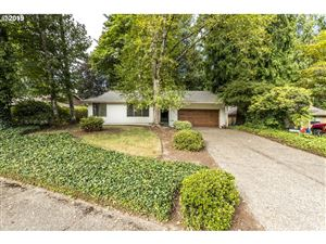 Photo of 12715 SW 111TH PL, Tigard, OR 97223 (MLS # 19290068)