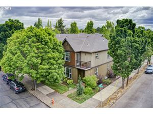 Photo of 2838 SE 15TH AVE, Portland, OR 97202 (MLS # 19158069)