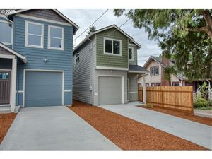 Photo of 2736 SE 84th AVE, Portland, OR 97266 (MLS # 19208070)