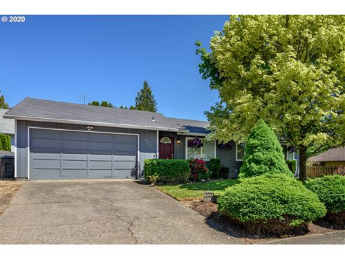 Photo of 620 NW COVENTRY WAY, McMinnville, OR 97128 (MLS # 20350071)