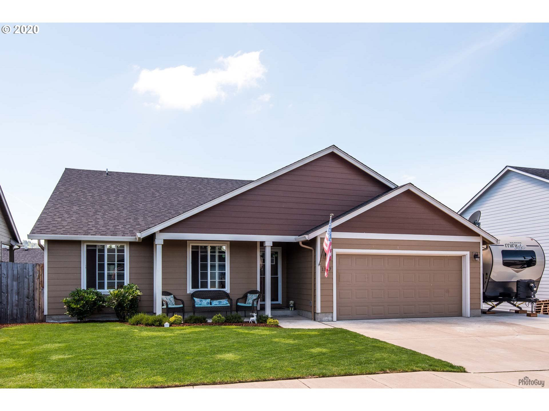 Photo for 1107 BRADSHAW LN, Creswell, OR 97426 (MLS # 20478073)