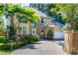 Photo of 618 SE 141ST AVE, Portland, OR 97233 (MLS # 19597074)