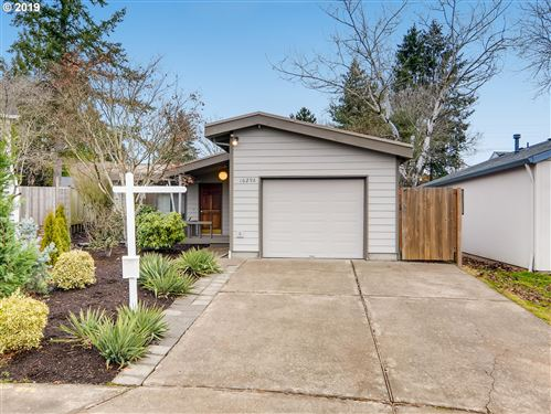Photo of 16298 SW BRIDLE HILLS DR, Beaverton, OR 97007 (MLS # 19549075)