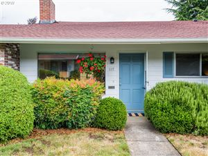 Photo of 117 SE 52ND AVE, Portland, OR 97215 (MLS # 19669075)
