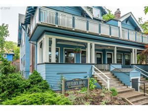 Photo of 532 SE 15TH AVE, Portland, OR 97214 (MLS # 19333076)