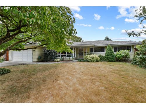 Photo of 5024 SE 35TH AVE, Portland, OR 97202 (MLS # 21391076)