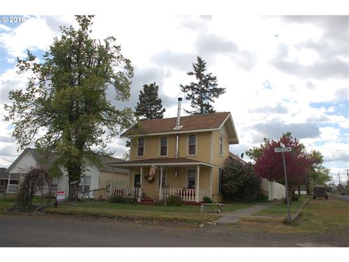 Photo of 303 S OREGON ST, Condon, OR 97823 (MLS # 16494077)