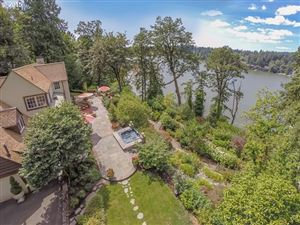 Photo of 16715 PHANTOM BLUFF CT, Lake Oswego, OR 97034 (MLS # 19040077)