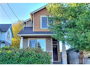 Photo of 7461 N NEWELL AVE, Portland, OR 97203 (MLS # 19238078)