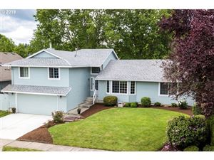 Photo of 13145 SW SNOWSHOE LN, Beaverton, OR 97008 (MLS # 19076080)