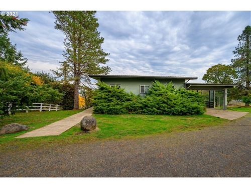 Photo of 3230 SW REDMOND HILL RD, McMinnville, OR 97128 (MLS # 21400080)