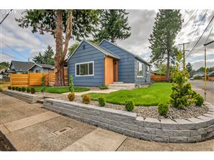 Photo of 4850 SE 84TH AVE, Portland, OR 97266 (MLS # 19051081)